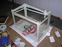 Крепление стекол на время склейки малярной ленктой